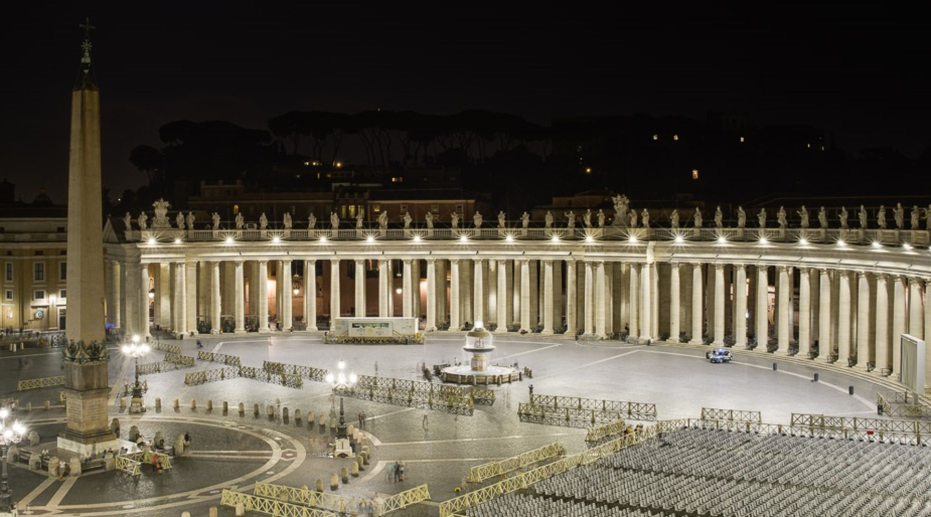 St. Peter`s Square radiates in new LED light