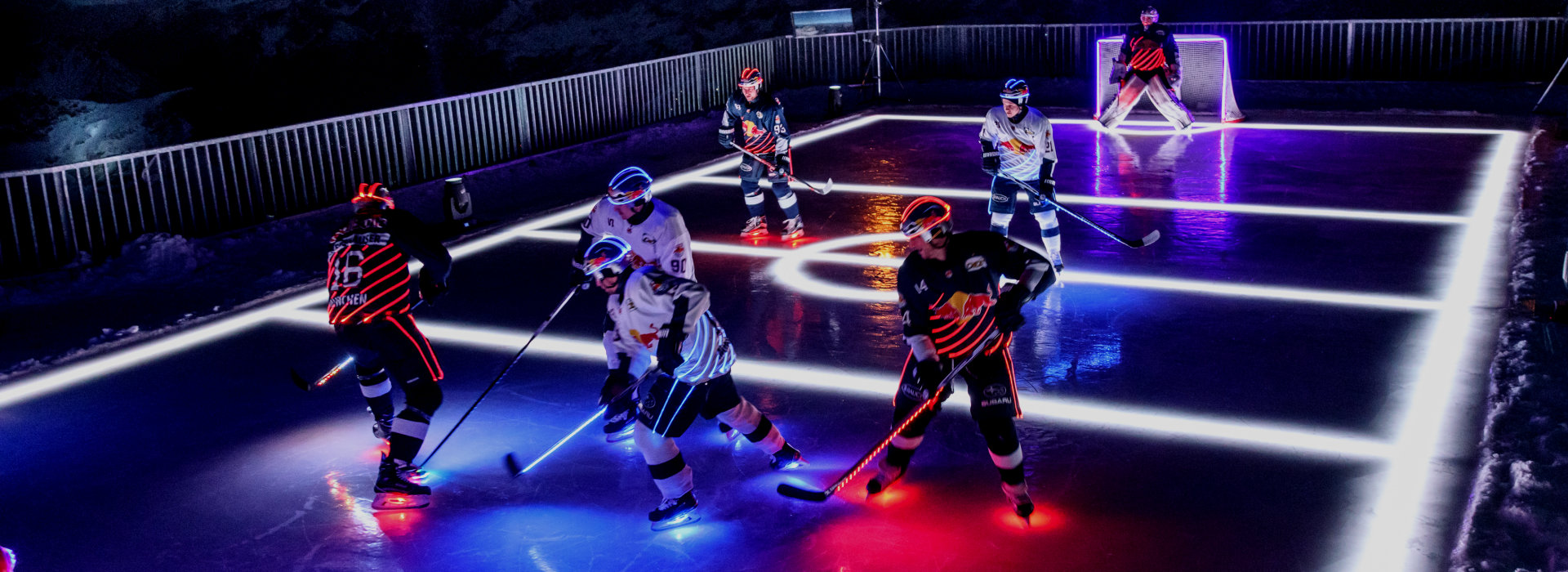 textile illumination for ice hockey players of EHC Red Bull München: high-performance sport meets high-performance lighting
