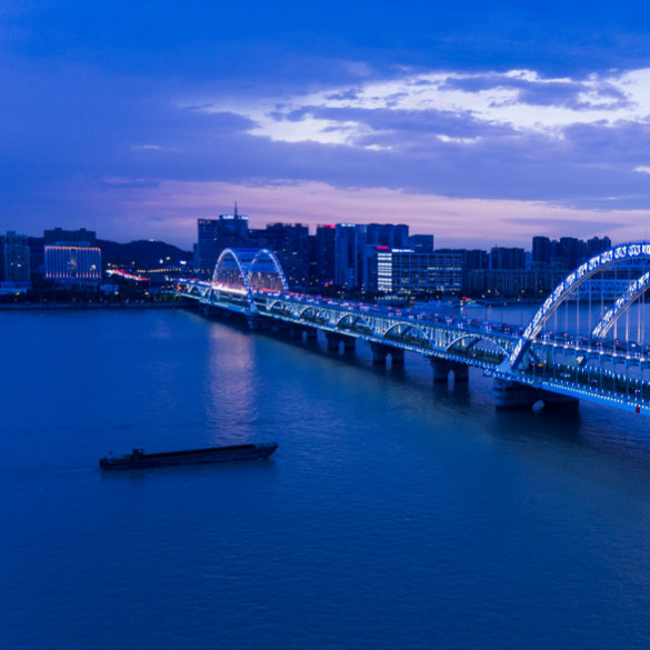 An Exceptionally Illuminated Fuxing Bridge Welcomes the 2016 G20 Summit