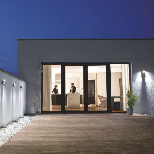 New outdoor portfolio illuminates garden highlights