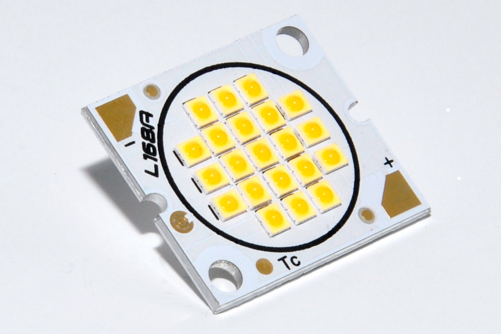 BriLED – this is the new LED module of CEZOS with a very high energy efficiency and specifically for general lighting indoor and outdoor use.