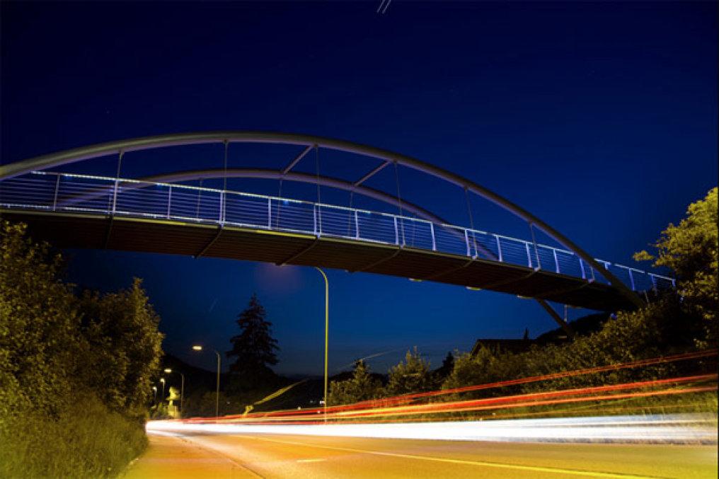 Pedestrian bridge Pfungen/Switzerland – Handrail system with LED