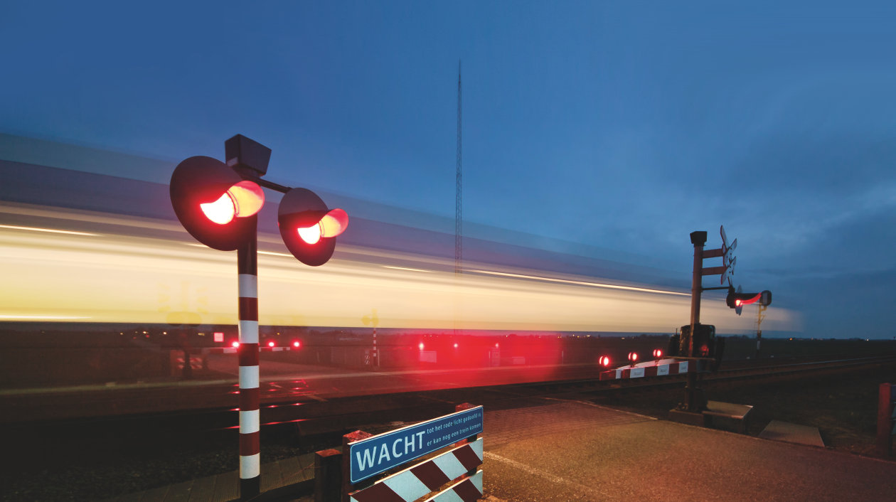 Application - Signs and Signals - Traffic Light