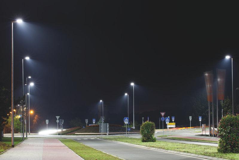 凭借欧司朗传感器技术,智能街道照明可识别环境条件并自动调节