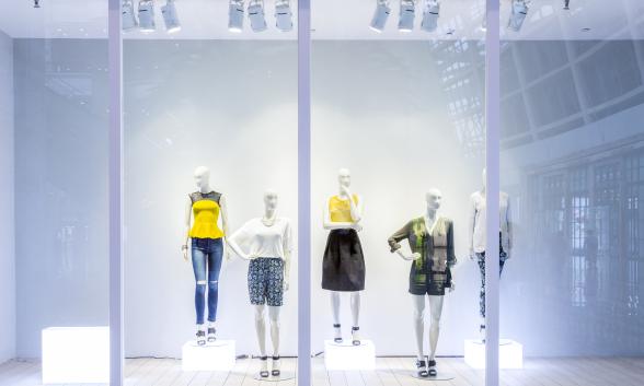 Iluminación para Retail - Iluminación para tiendas, centros comerciales, puntos de venta, escaparates, salas de exposición, supermercados, así como iluminación de estanterías y puntos de promoción