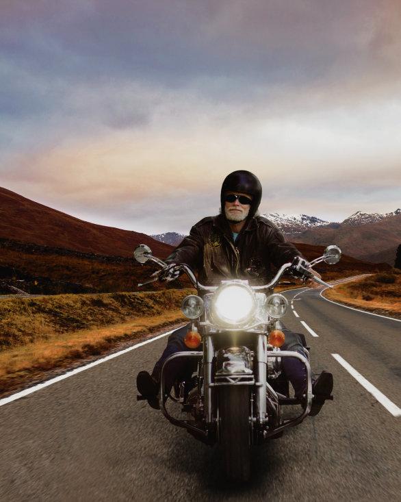Orijinal yedek parça lambalarıyla motosiklet