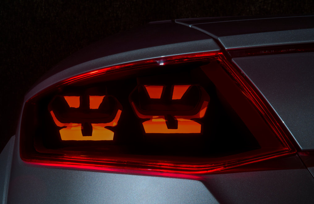 适用于汽车照明的灵活OLED