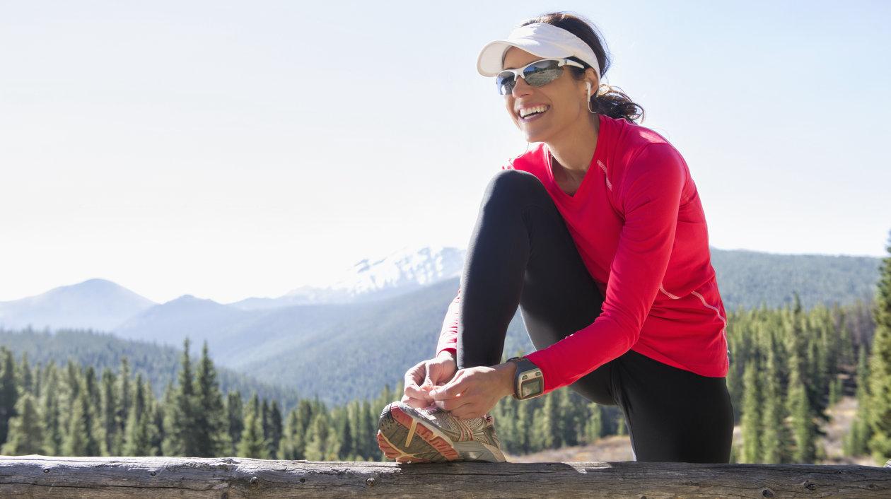 Application - Fitness Tracking - Female runner