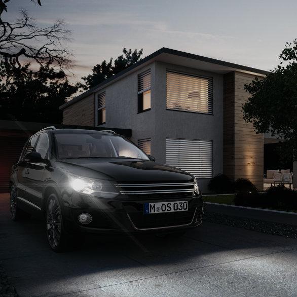 Automóvil con lámparas para faros de larga vida útil
