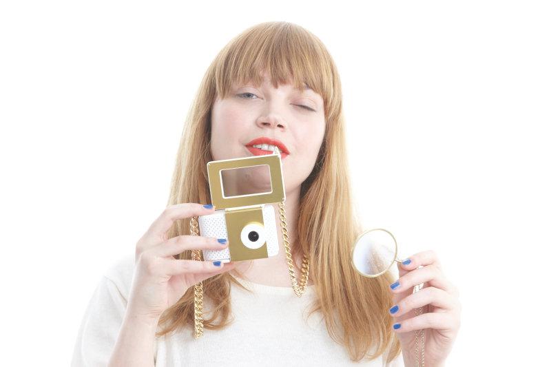 OLED Kisscam