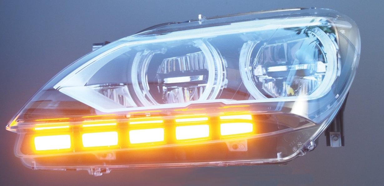 OLED turn indicator