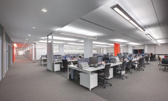 Uffici - Illuminazione per grandi edifici, uffici, parcheggi e garage, sale conferenza, corridoi e scale, facciate, foyer