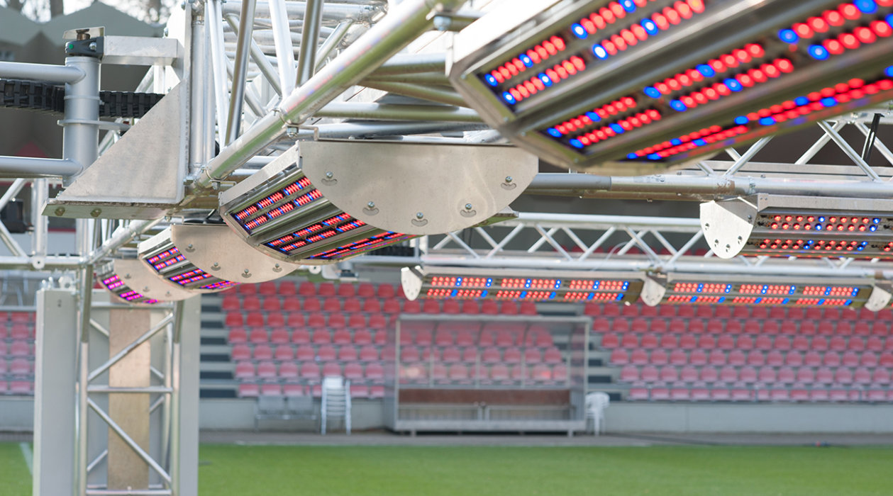 LEDs from Osram Opto Semiconductors make the grass grow at 1. FC Köln – even in winter