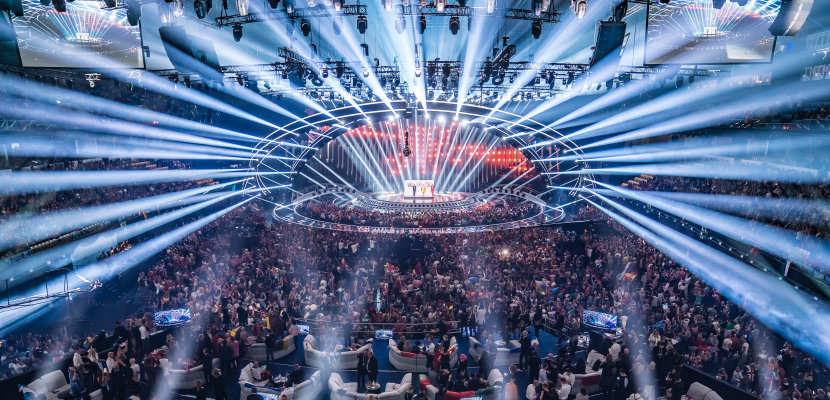 OSRAM OSTAR Stage - The Stage is their home - Powerful light beams