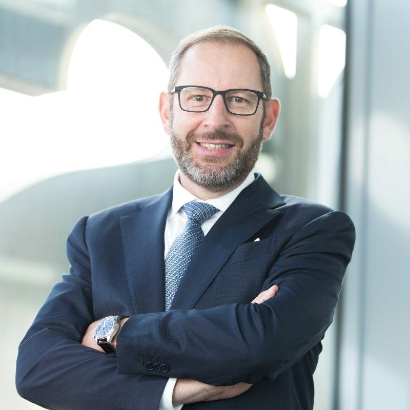 Dr. Stefan Kampmann