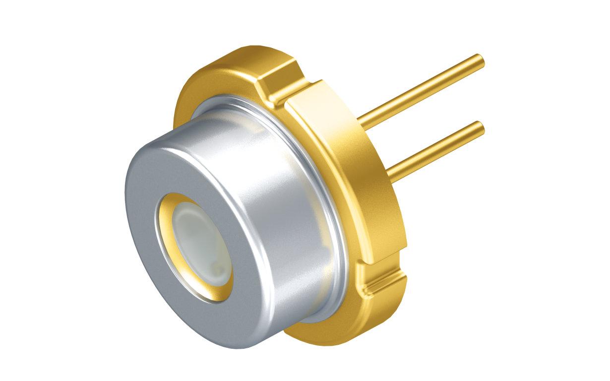 凭借欧司朗光电半导体最新推出的 PLPT9 450D_E A01 激光二极管,车大灯设计可以在确保同样高光输出的前提下进一步小型化。