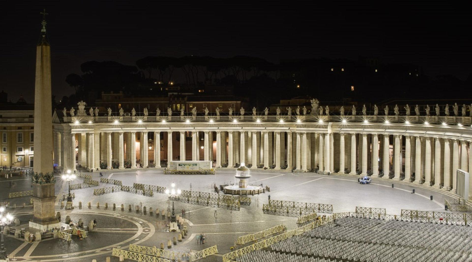St. Peter`s Square radiates in new LED light