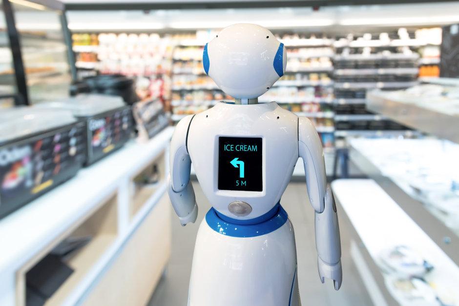 robot assistant in supermarket