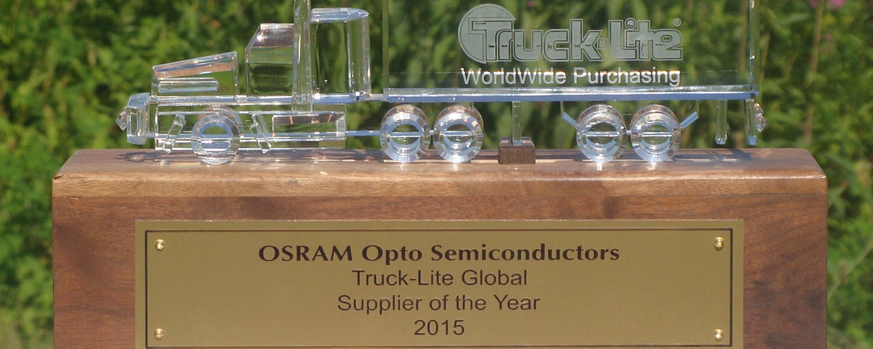 Truck-Lite award Osram Opto Semiconductors as Global supplier of the Year 2015