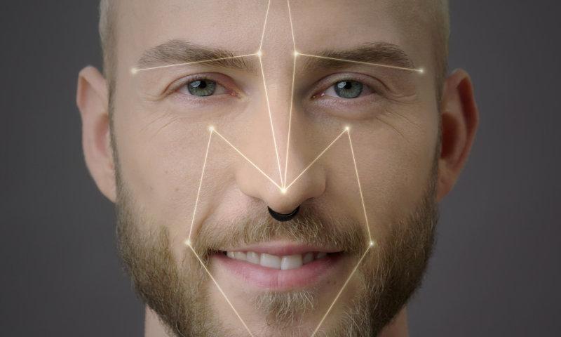 Il LED OSRAM Synios P2720 offre un'illuminazione brillante e uniforme del volto dell'utente per il riconoscimento facciale 2D.