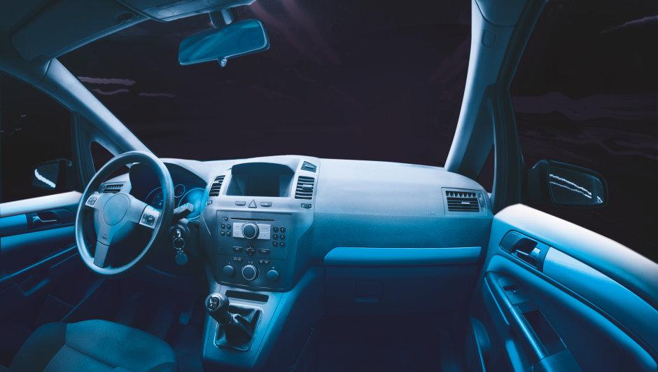 LED/OLED na iluminação automotiva
