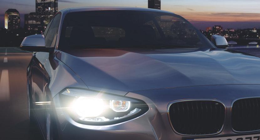 Bil med SILVERSTAR 2.0 lampor